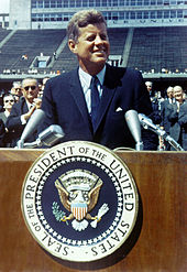 170px-john_f-_kennedy_speaks_at_rice_university